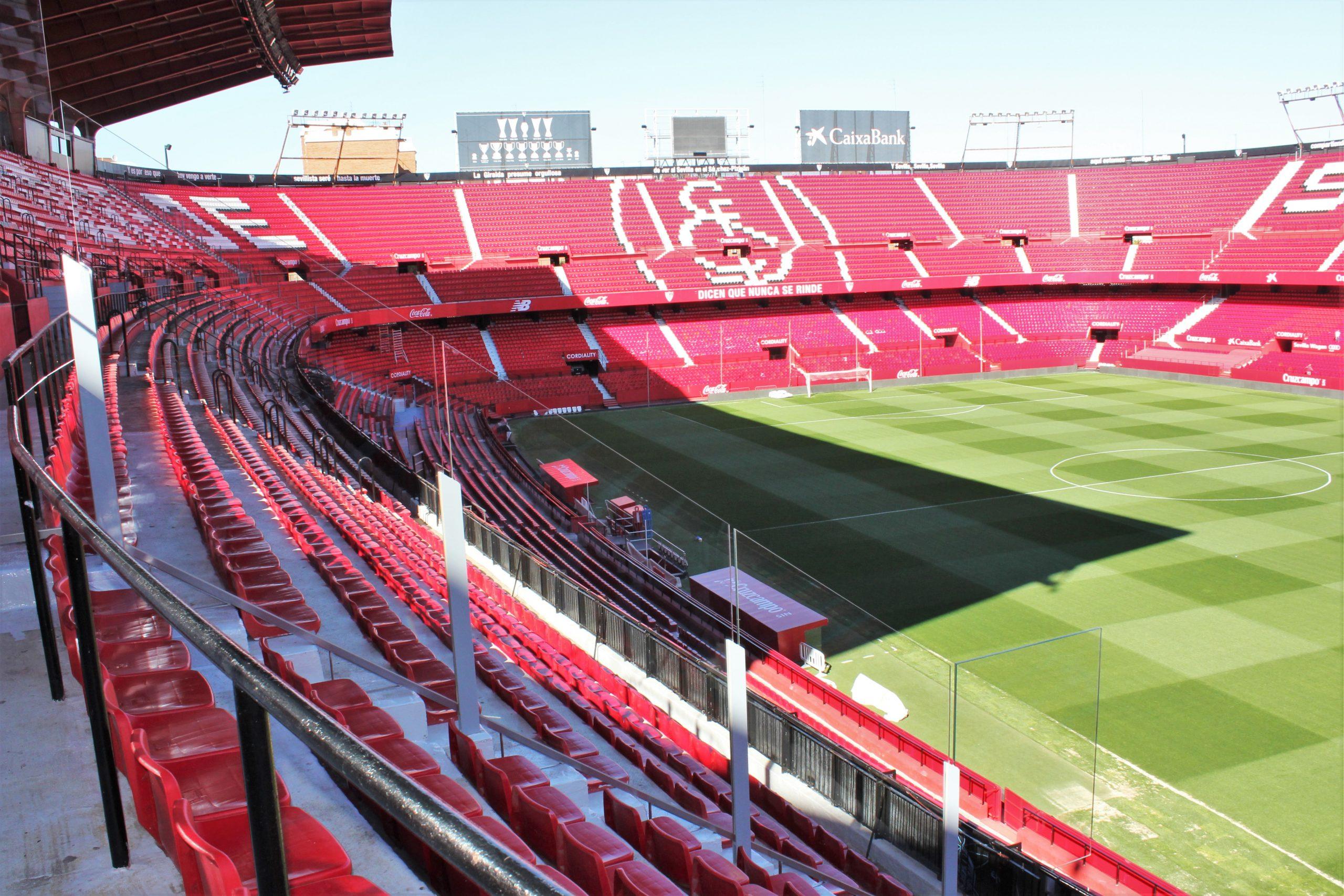 Sevilla FC Proyecto Soluciones Cristalería y Aluminios Guzmán en Sevilla