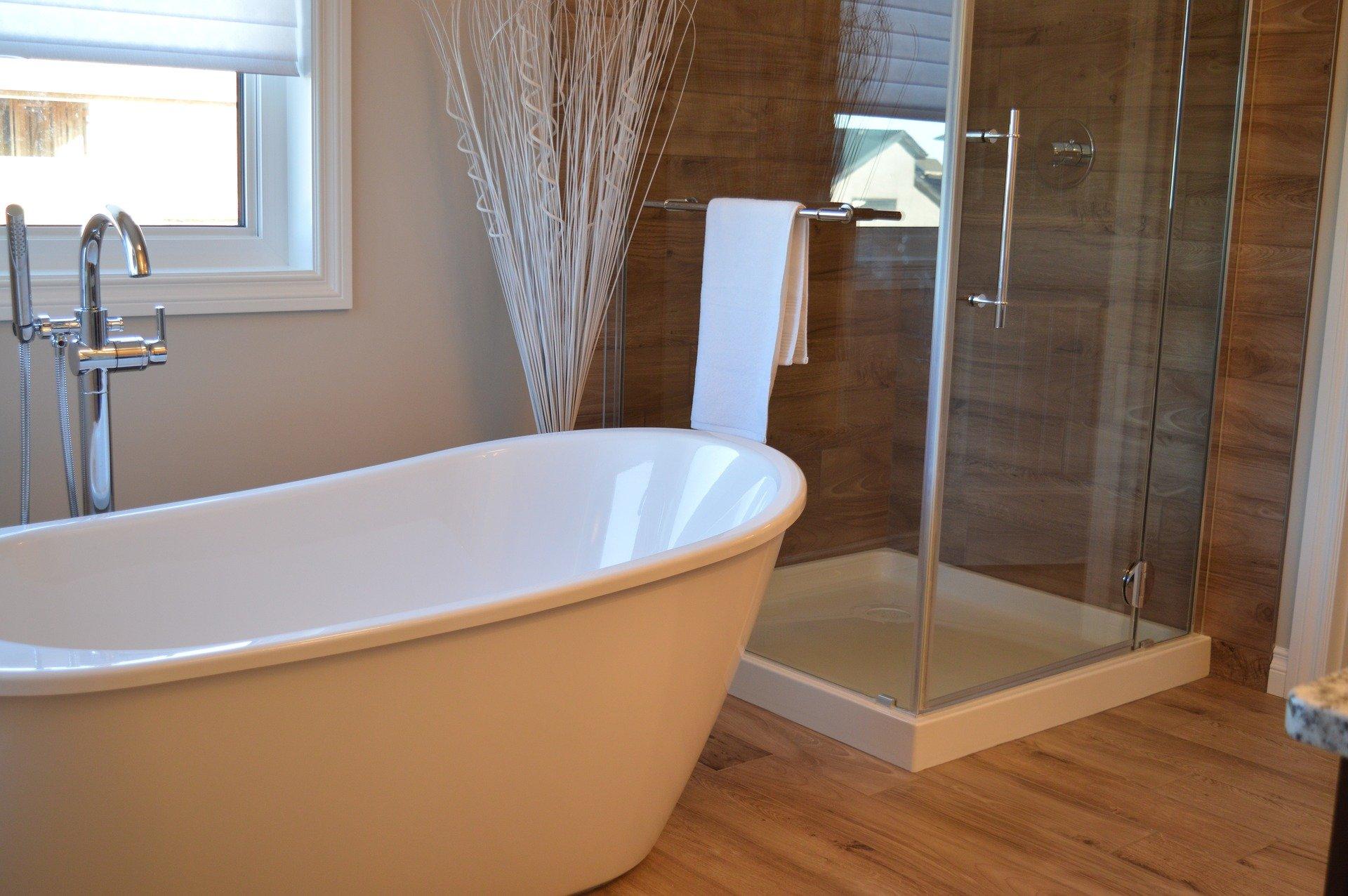 cristaleria en sevilla mamparas de baño cristaleria y aluminios guzman