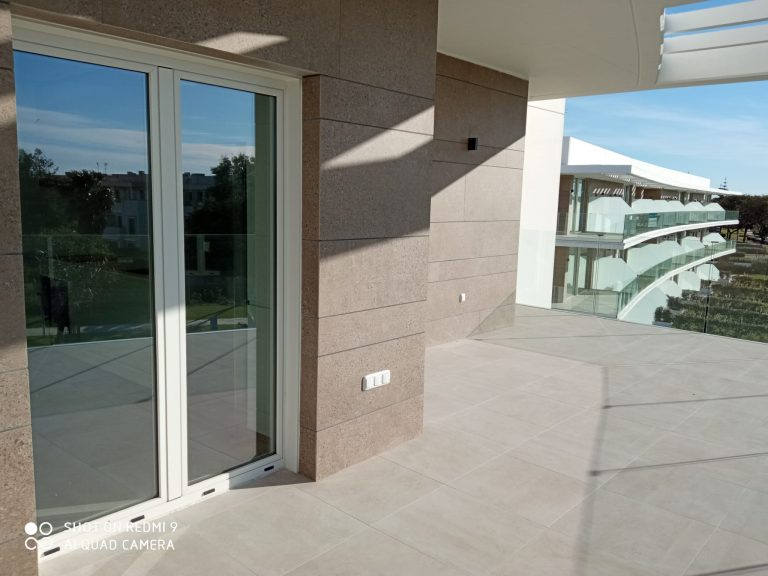 balconera aluminio Cristalería y Aluminios Guzmán en Sevilla