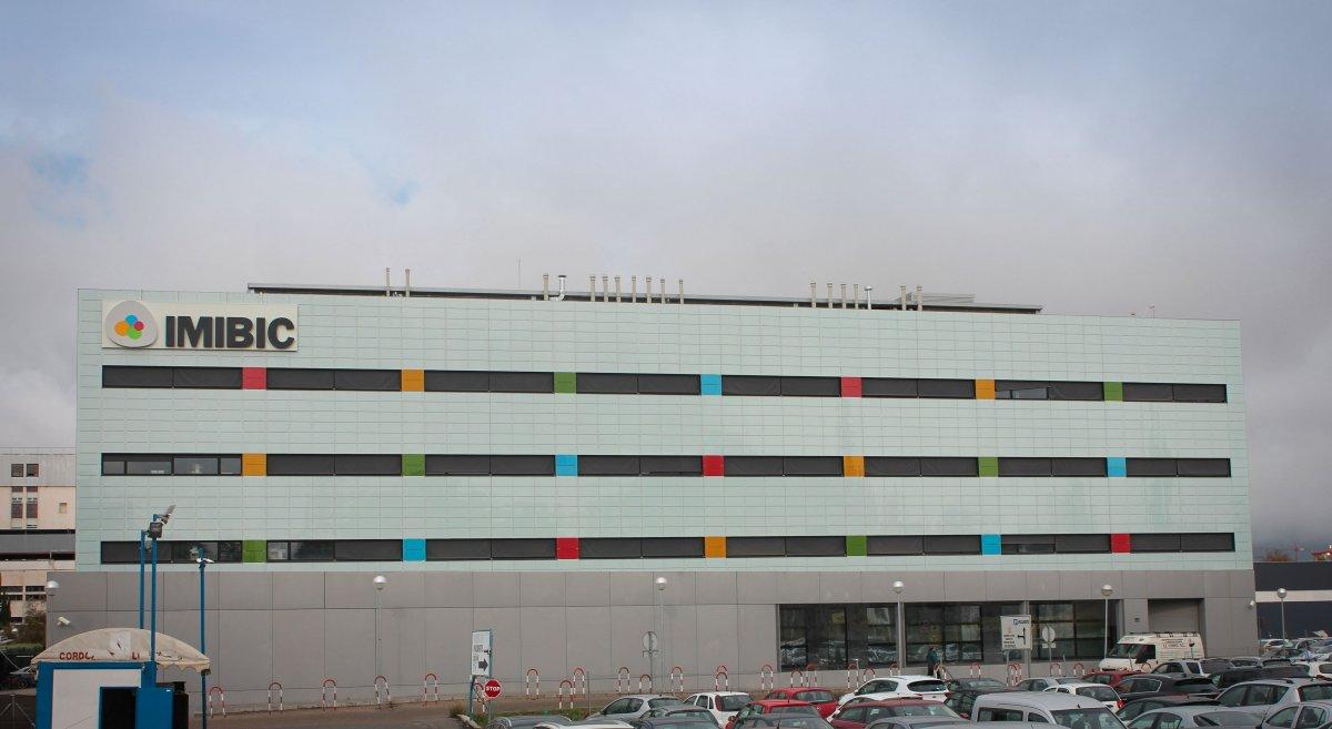 edificio-maimonides-centro-investigacion-imibic-cordoba-a-cristaleria-y-aluminios-guzman