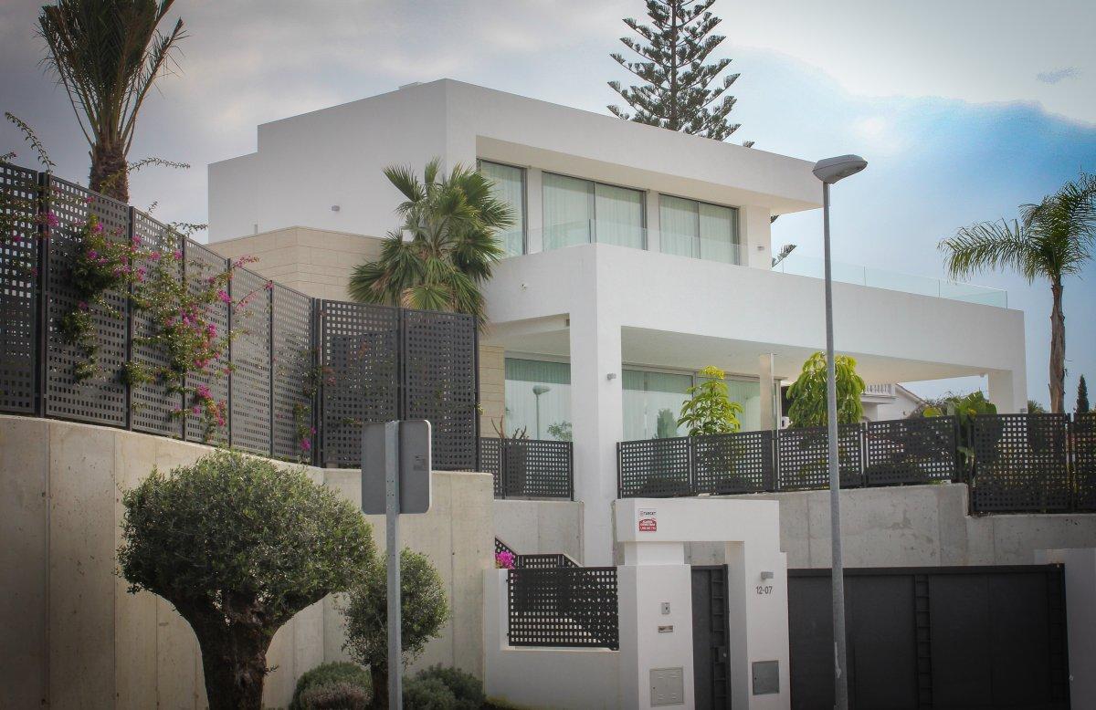 villas-la-finca-marbella-san-jose-cristleria-y-aluminios-guzman-3